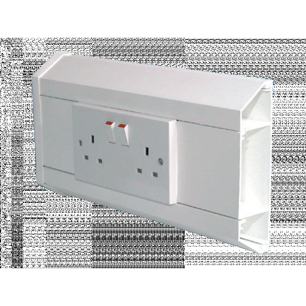 3 Compartment Dado Trunking